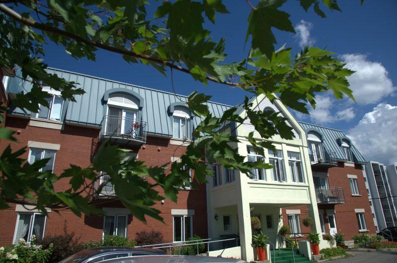 SOFI - Telemedic   Vue de la façade de la résidence pour aînés le Havre du Trait-Carré
